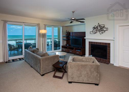 living room view at vistas 308